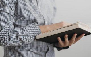 Mengapa Kita Membaca